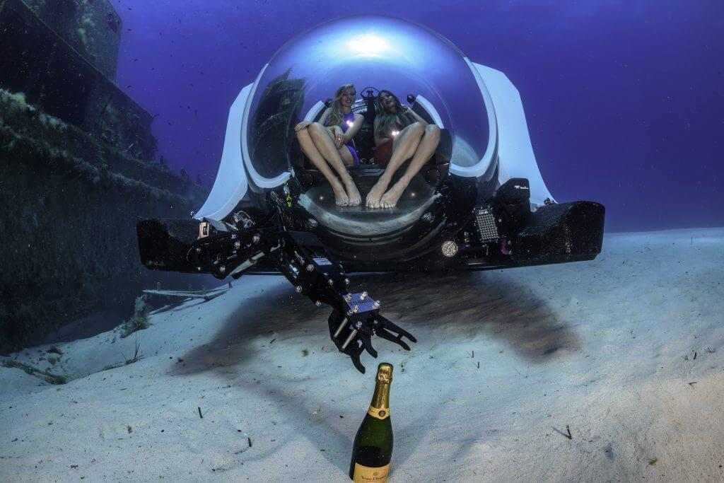 super-yacht-sub-3-malta-wreck-diving_09